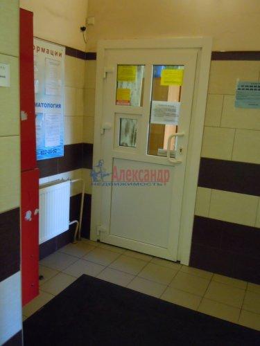 2-комнатная квартира (65м2) на продажу по адресу Комендантский пр., 51— фото 3 из 15