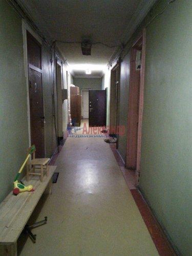 Комната в 9-комнатной квартире (300м2) на продажу по адресу Большеохтинский пр., 7— фото 5 из 5