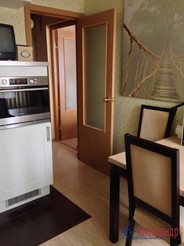 1-комнатная квартира (36м2) на продажу по адресу Стрельна г., Львовская ул., 19— фото 2 из 10