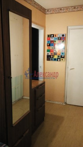 3-комнатная квартира (72м2) на продажу по адресу Обуховской Обороны пр., 144— фото 4 из 11