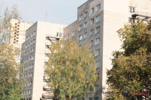 Комната в 8-комнатной квартире (114м2) на продажу по адресу Серебристый бул., 13— фото 1 из 11