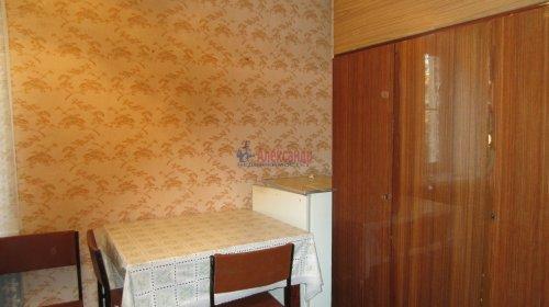 Комната в 8-комнатной квартире (141м2) на продажу по адресу Малодетскосельский пр., 32— фото 8 из 13