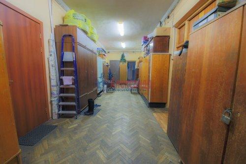 Комната в 9-комнатной квартире (248м2) на продажу по адресу Васи Алексеева ул., 16— фото 5 из 16