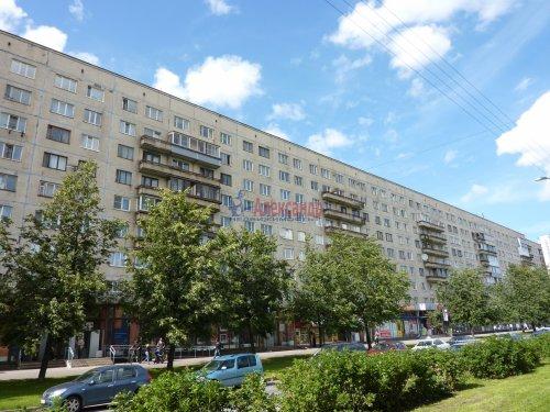 2-комнатная квартира (46м2) на продажу по адресу Культуры пр., 12— фото 1 из 24