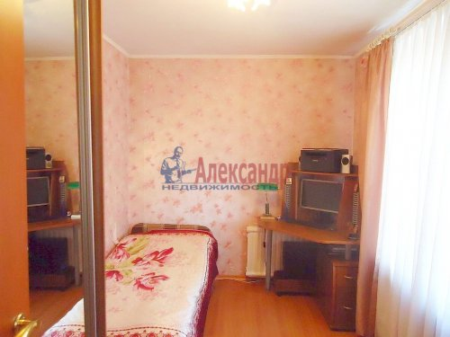 4-комнатная квартира (64м2) на продажу по адресу Славы пр., 12— фото 6 из 13