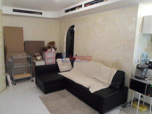 2-комнатная квартира (43м2) на продажу по адресу Павловск г., Гуммолосаровская ул., 25— фото 3 из 7
