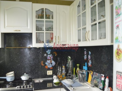 3-комнатная квартира (61м2) на продажу по адресу Лужская ул., 4— фото 1 из 8