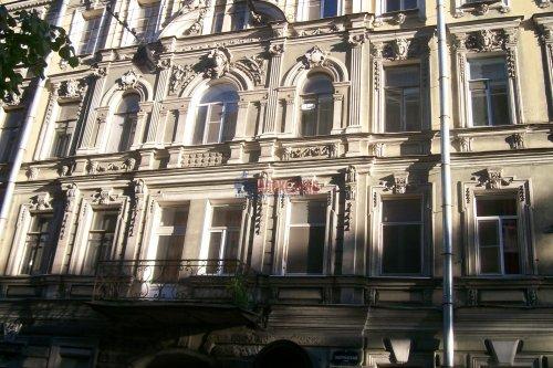 Комната в 4-комнатной квартире (89м2) на продажу по адресу Зверинская ул., 17а— фото 2 из 8