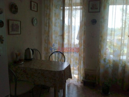 1-комнатная квартира (41м2) на продажу по адресу Старая Ладога село— фото 9 из 13