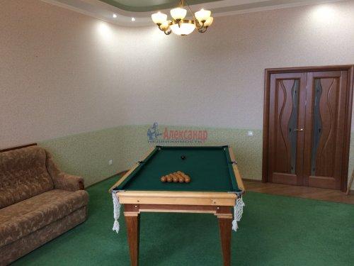 4-комнатная квартира (193м2) на продажу по адресу Ломоносов г., Еленинская ул., 24— фото 9 из 16