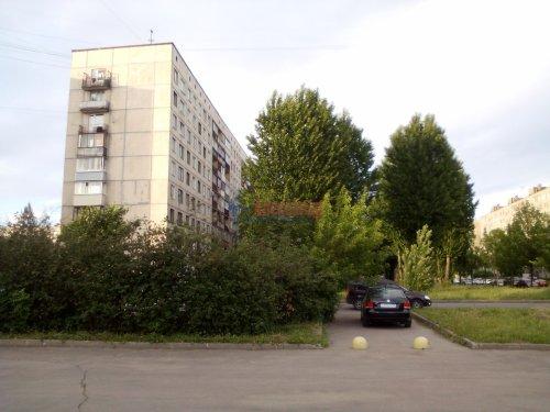 Комната в 3-комнатной квартире (58м2) на продажу по адресу Подвойского ул., 42— фото 1 из 3