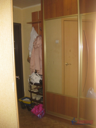 2-комнатная квартира (42м2) на продажу по адресу Кириши г., Романтиков ул., 5— фото 1 из 1
