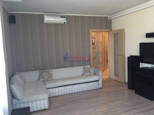 2-комнатная квартира (64м2) на продажу по адресу Октябрьская наб., 126— фото 8 из 19