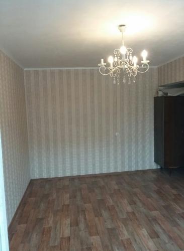 2-комнатная квартира (45м2) на продажу по адресу Ярослава Гашека ул., 10— фото 3 из 15