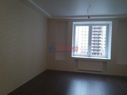 2-комнатная квартира (80м2) на продажу по адресу Просвещения просп., 99— фото 10 из 13