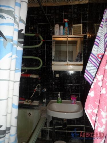 3-комнатная квартира (73м2) на продажу по адресу Коммунар г., Куралева ул., 15— фото 7 из 8