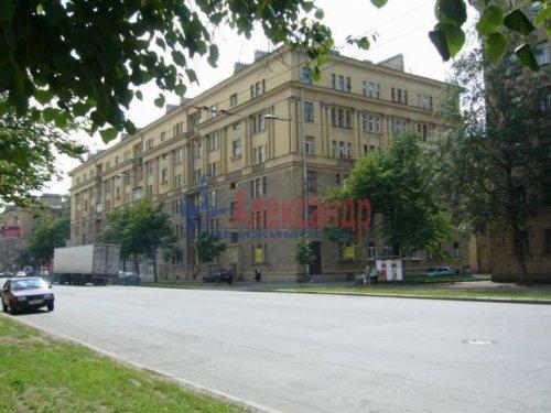 3-комнатная квартира (96м2) на продажу по адресу Краснопутиловская ул., 13— фото 3 из 14