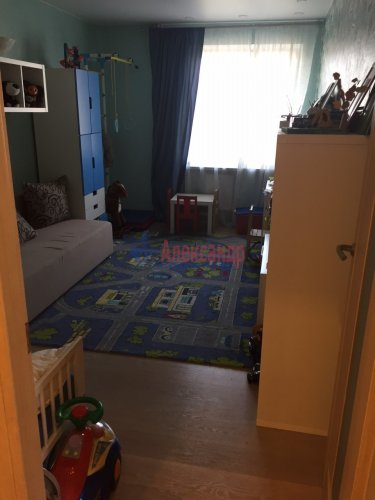 2-комнатная квартира (64м2) на продажу по адресу Октябрьская наб., 126— фото 9 из 19