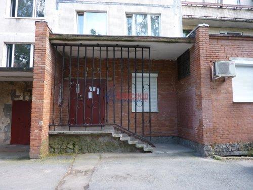 2-комнатная квартира (46м2) на продажу по адресу Культуры пр., 12— фото 13 из 24