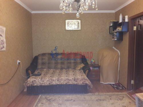 1-комнатная квартира (40м2) на продажу по адресу Гатчина г., Авиатриссы Зверевой ул., 7б— фото 2 из 8