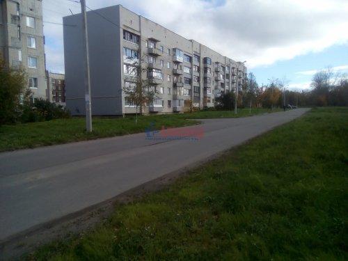 1-комнатная квартира (33м2) на продажу по адресу Волхов г., Южный бул., 5— фото 1 из 5