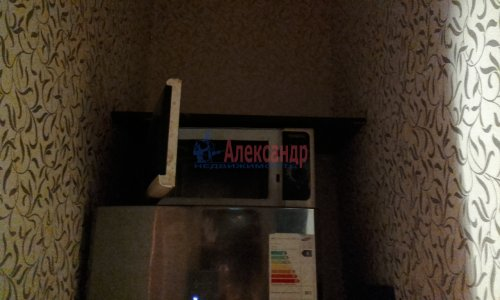 Комната в 8-комнатной квартире (240м2) на продажу по адресу Кадетская линия, 31— фото 8 из 13