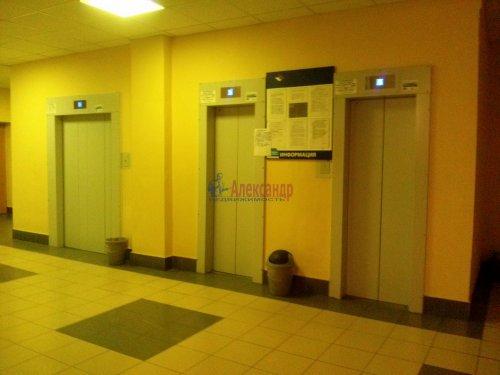 Комната в 9-комнатной квартире (187м2) на продажу по адресу Купчинская ул., 4— фото 5 из 9