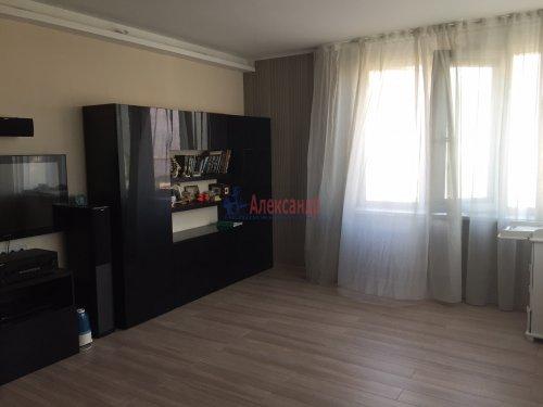 2-комнатная квартира (64м2) на продажу по адресу Октябрьская наб., 126— фото 10 из 19