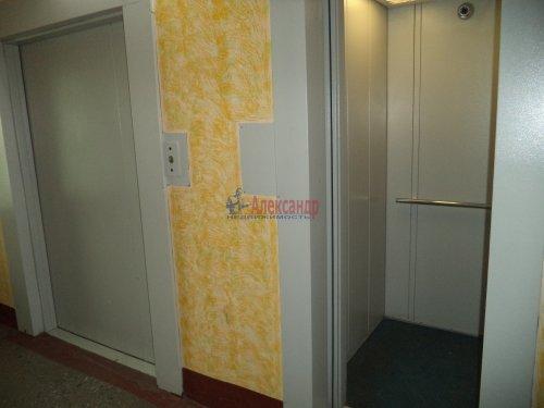 2-комнатная квартира (55м2) на продажу по адресу Пискаревский пр., 38— фото 11 из 15