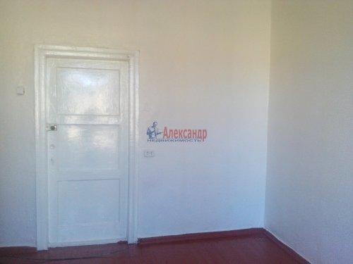 Комната в 3-комнатной квартире (76м2) на продажу по адресу Металлострой пос., Центральная ул., 4— фото 2 из 5