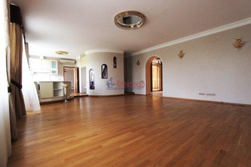 5-комнатная квартира (178м2) на продажу по адресу Бассейная ул., 61— фото 3 из 13