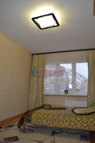 3-комнатная квартира (77м2) на продажу по адресу Маршала Казакова ул., 44— фото 4 из 37