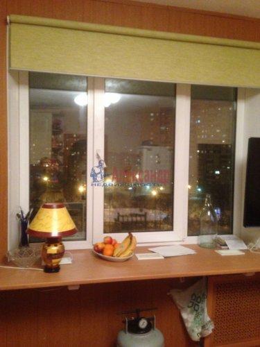 3-комнатная квартира (80м2) на продажу по адресу Комендантский пр., 40— фото 1 из 8