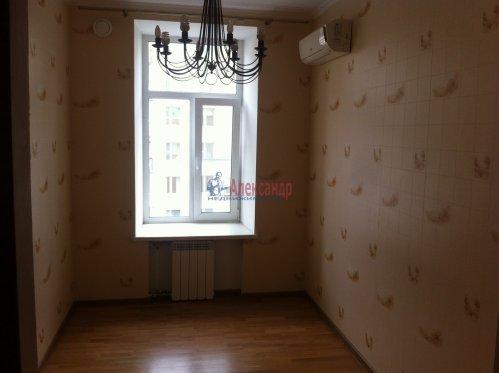 3-комнатная квартира (84м2) на продажу по адресу Чкаловский пр., 58— фото 9 из 13