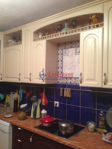3-комнатная квартира (80м2) на продажу по адресу Комендантский пр., 40— фото 2 из 8