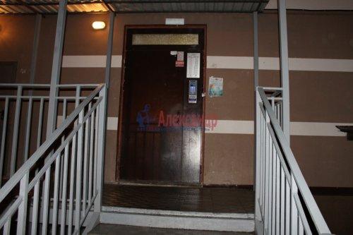 2-комнатная квартира (55м2) на продажу по адресу Мурино пос., Шоссе в Лаврики ул., 34— фото 2 из 13