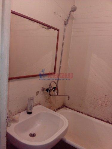 Комната в 3-комнатной квартире (64м2) на продажу по адресу Кузнечное пгт., Гагарина ул., 3— фото 6 из 9
