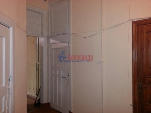 Комната в 4-комнатной квартире (160м2) на продажу по адресу Выборг г., Железнодорожная ул., 4— фото 5 из 8