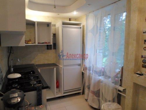 2-комнатная квартира (43м2) на продажу по адресу Павловск г., Гуммолосаровская ул., 25— фото 4 из 7