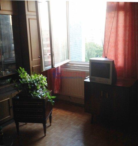 2-комнатная квартира (48м2) на продажу по адресу Маршала Новикова ул., 7— фото 3 из 8