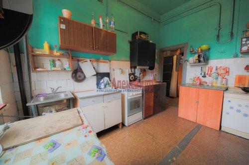 Комната в 9-комнатной квартире (248м2) на продажу по адресу Васи Алексеева ул., 16— фото 6 из 16