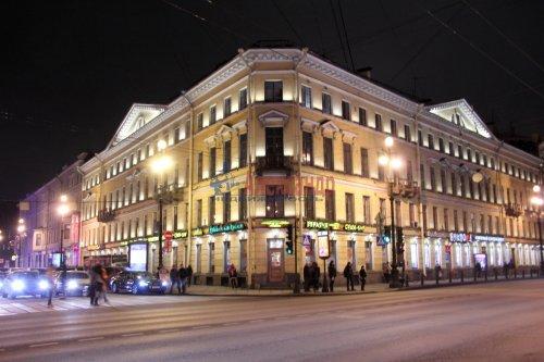 2-комнатная квартира (51м2) на продажу по адресу Невский пр., 13— фото 1 из 10