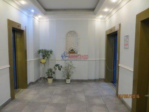 1-комнатная квартира (49м2) на продажу по адресу Комендантский пр., 12— фото 6 из 8