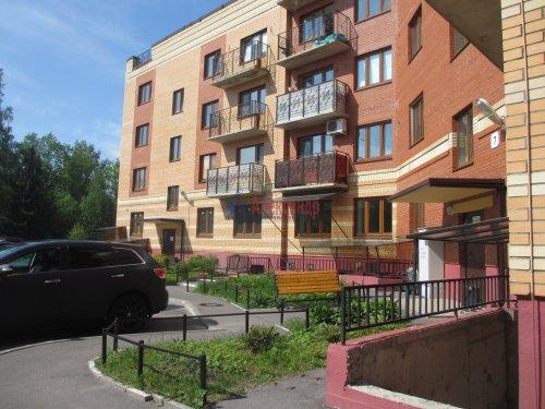 2-комнатная квартира (63м2) на продажу по адресу Павловск г., Слуцкая ул., 7— фото 1 из 15