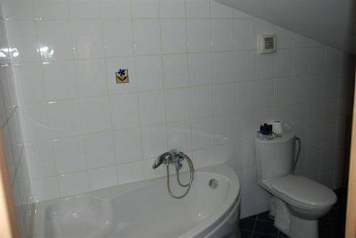 3-комнатная квартира (101м2) на продажу по адресу Чернышевского пл., 8— фото 2 из 7
