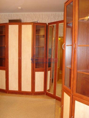 1-комнатная квартира (39м2) на продажу по адресу Оптиков ул., 52— фото 9 из 24