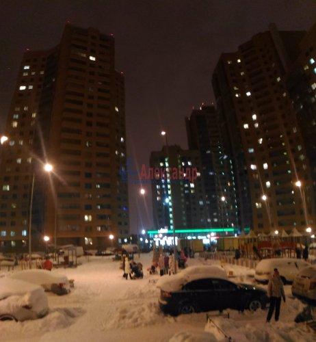 1-комнатная квартира (38м2) на продажу по адресу Мурино пос., Привокзальная пл., 1— фото 1 из 9