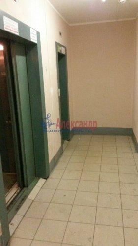 2-комнатная квартира (60м2) на продажу по адресу Мебельная ул., 21— фото 4 из 7