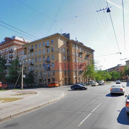 2-комнатная квартира (58м2) на продажу по адресу Полярников ул., 8— фото 1 из 2