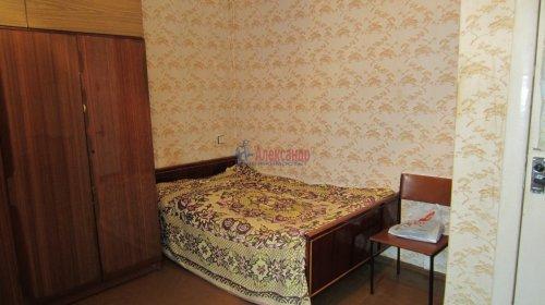 Комната в 8-комнатной квартире (141м2) на продажу по адресу Малодетскосельский пр., 32— фото 9 из 13